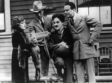 (l-r) Mary Pickford, DW Griffith, Charlie Chaplin and Douglas Fairbanks, founders of United Artists
