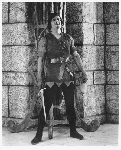 Douglas Fairbanks in Robin Hood (1922)