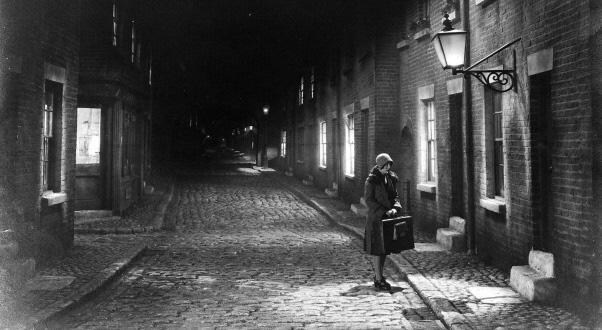 Hindle Wakes (1927)