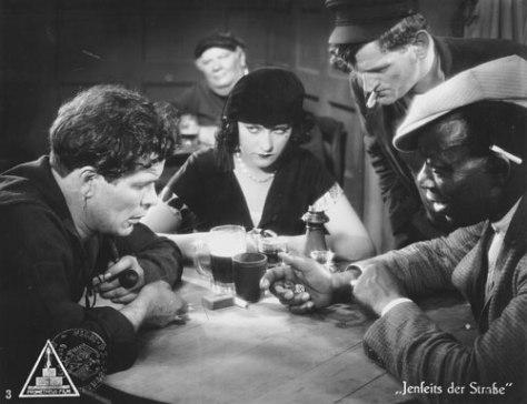 Jenseits der Strasse (1929)