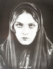 Anna Sten in Earth in Chains (1927)