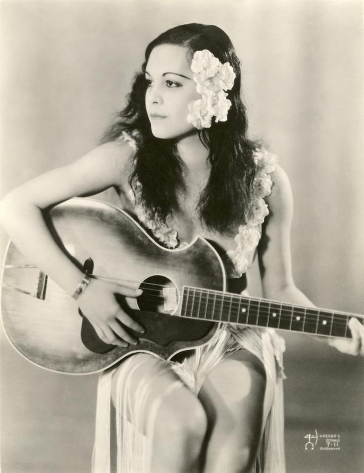 Anne Chevalier in Tabu (1931)