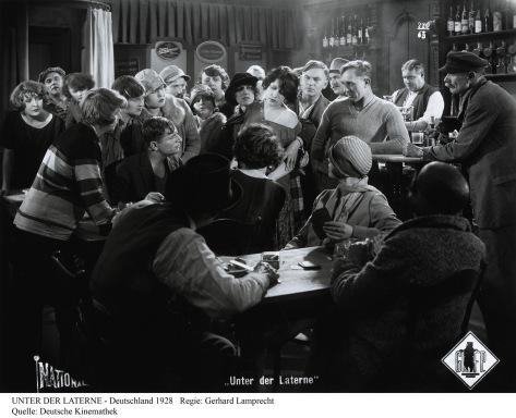 Unter der Laterne (1928) Deutsche Kinemathek, Berlin