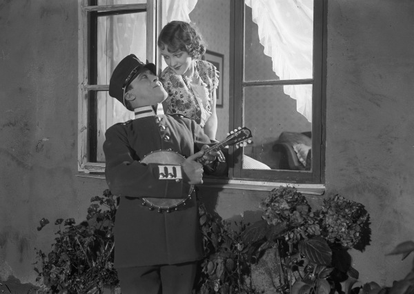 Konstgjorda Svensson (1929) Svenska Filminstitutet, Stockholm ©1929 AB Svensk Filmindustri. All rights reserved.