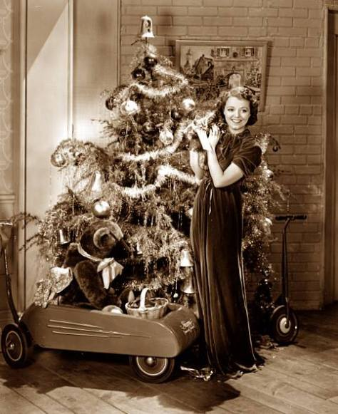 Janet Gaynor and her Christmas tree