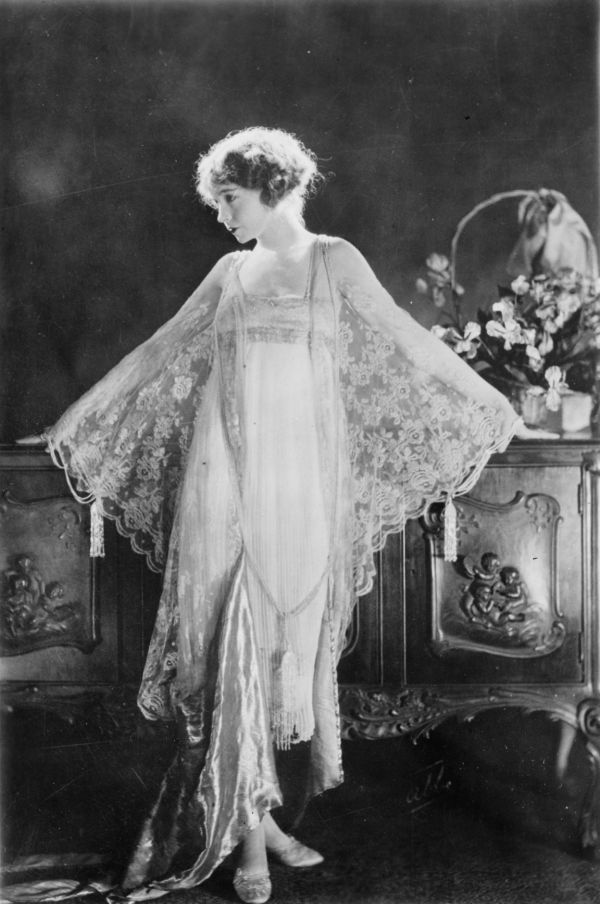 Lillian Gish wears a negligée in Way Down East (1920)
