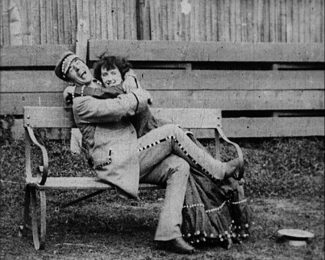 Alf and Maude Collins in Coster outfits in When Extremes Meet, 1905