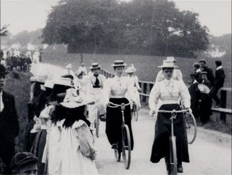 Lady Cyclists (1899)