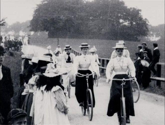 Lady Cyclists (1899)