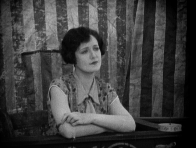 Lillian Hall-Davis in The Ring (1927)