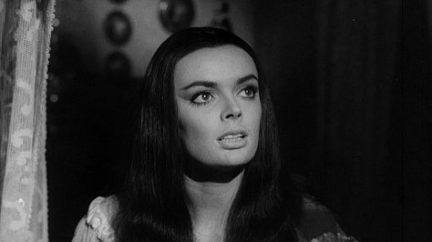 Barbara Steele in Castle of Blood (1964)