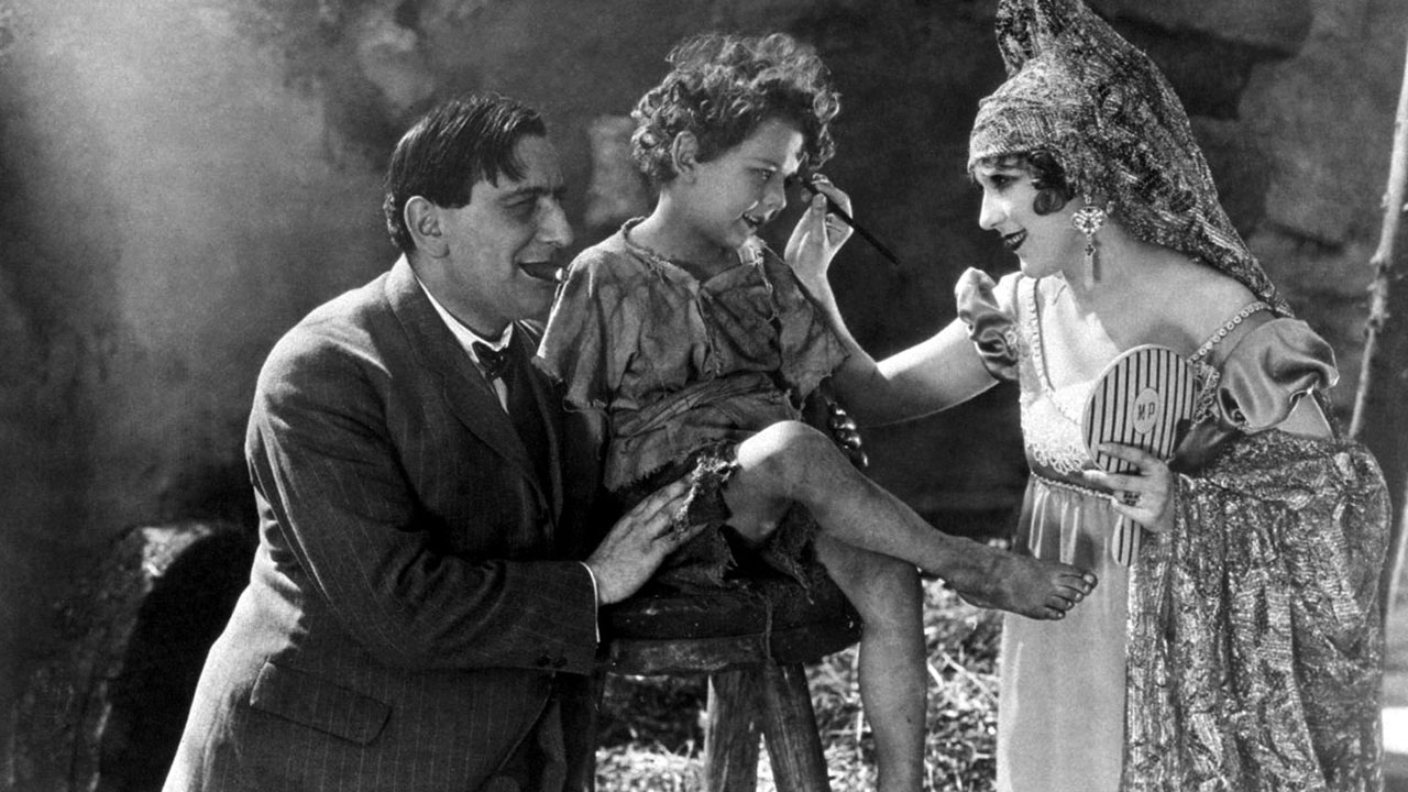 Ernst Lubitsch and Mary Pickford on the set of Rosita (1923)
