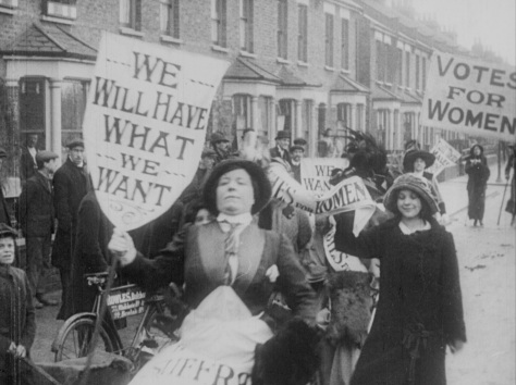 protesting-suffragettes-early-1900s