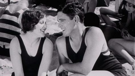 Lonesome (1928)